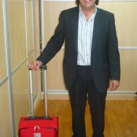 Juan Carlos Rodríguez Barba, recibe su regalo como empleado del mes
